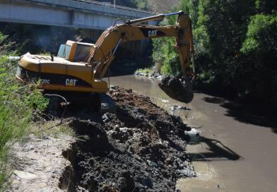 Municipio realiza intervención preventiva de ríos y esteros