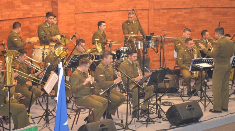 Doble festejo junto a Banda Instrumental de Carabineros